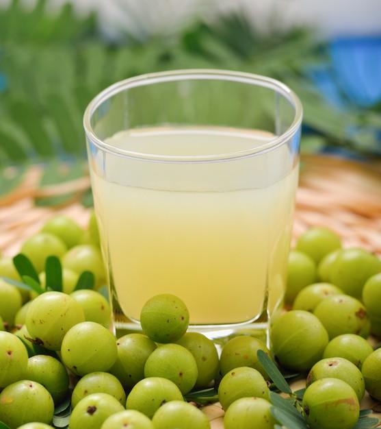 indian-gooseberries-juice-amla-juice-dental-blog